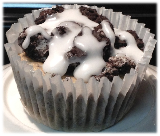 cookies n cream cheesecake cupcake.jpgframed